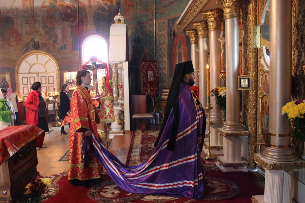 Архиерейское богослужение в Неделю святых жен-мироносиц